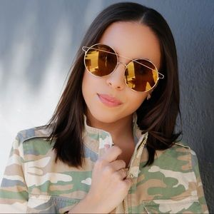 Accessories - Gold Round Oversize Sunglasses